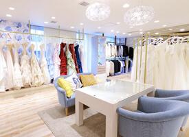 人気のウェディングドレス&タキシードを日本で事前試着、ハワイでお取り置き