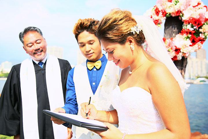 キリスト教式と人前式の違い ハワイで結婚式 ウェディングするなら